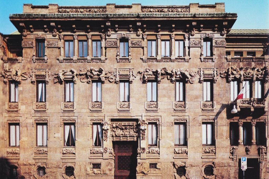I 10 palazzi pi belli di milano la tua italia for Piani di palazzi contemporanei