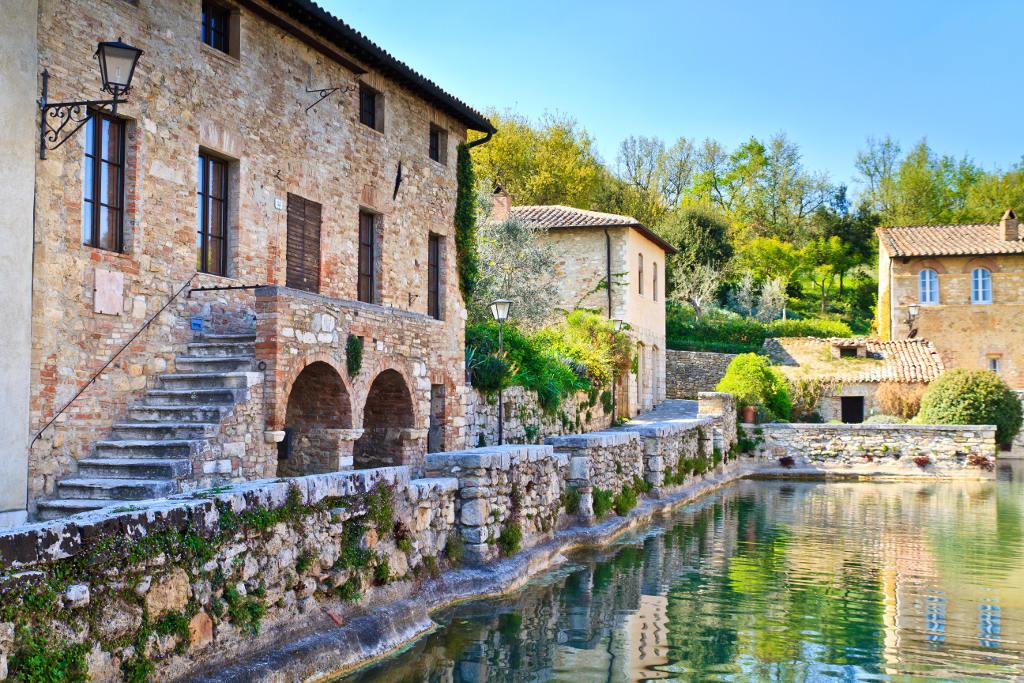 Le terme antiche della toscana la tua italia - Bagno vignoni terme naturali ...