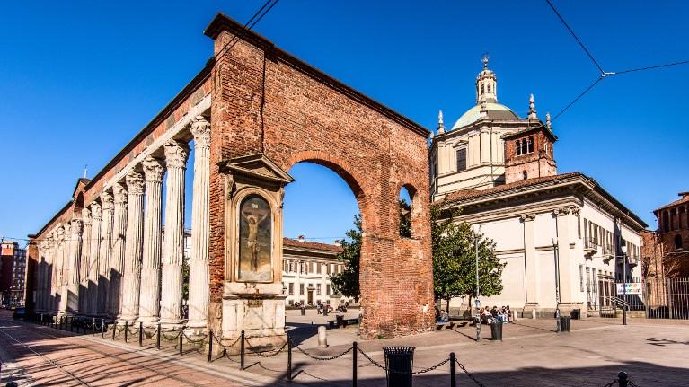 10 chiese da non perdere a milano la tua italia for Edificio di 10000 piedi quadrati