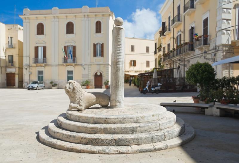 bari-piazza-mercantile1