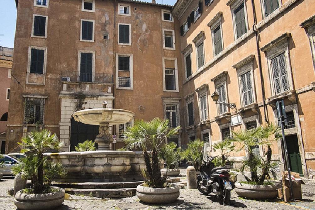 Piazza delle Cinque Scole / foto: Italia.it