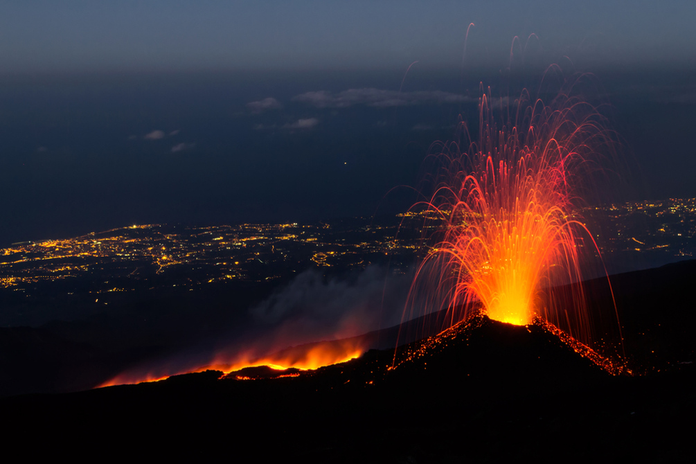 Извержение Этны 15 июля 2014 года / фото: Shutterstock.com