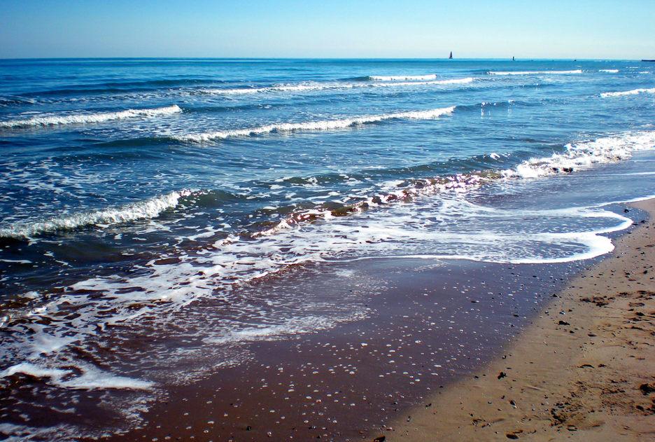 Il mare di Pesaro. Foto / Shutterstock.com