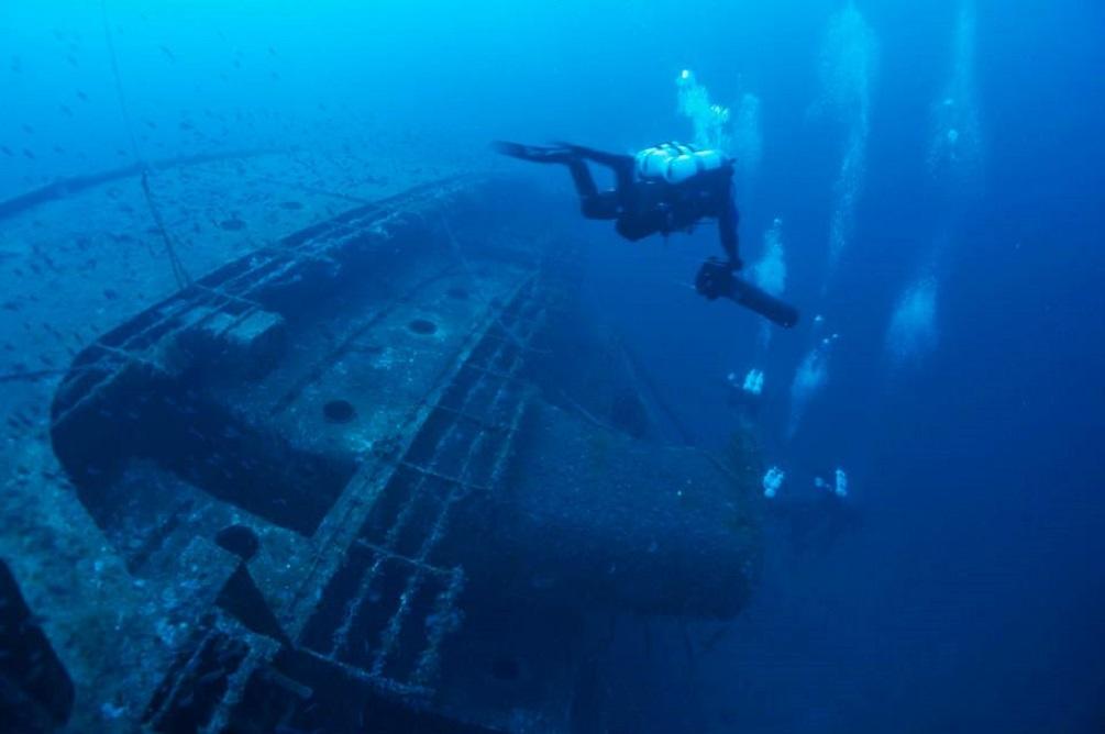 Relitto di un LST (Landing Ship Thank) / foto: marpola.it
