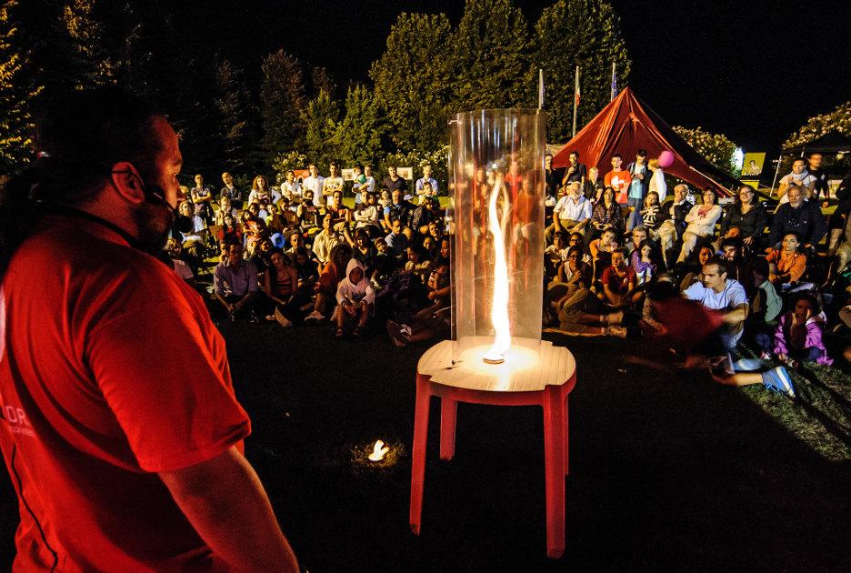 Остров Пьовезе во время научного фестиваля «Остров Эйнштейна». Фотография © Isola di Einstein / Flickr.com