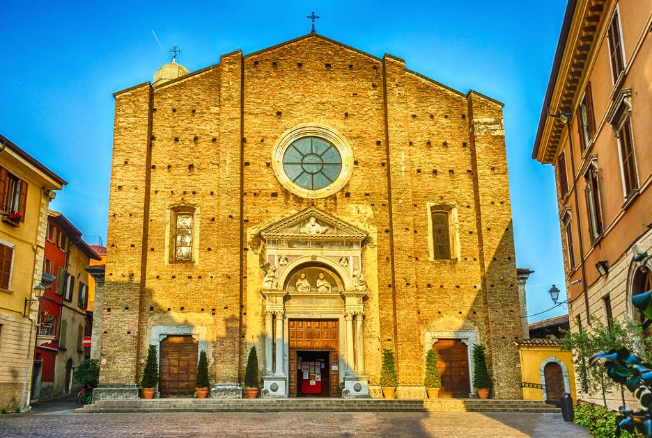 La cattedrale di Salò. Foto / Shutterstock.com