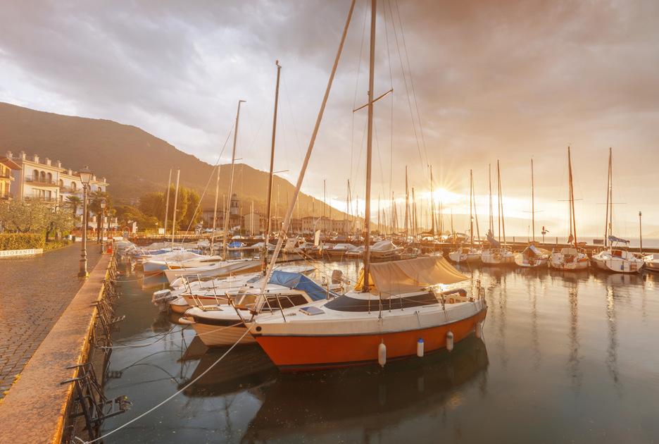 La marina di Salò. Foto / Shutterstock.com