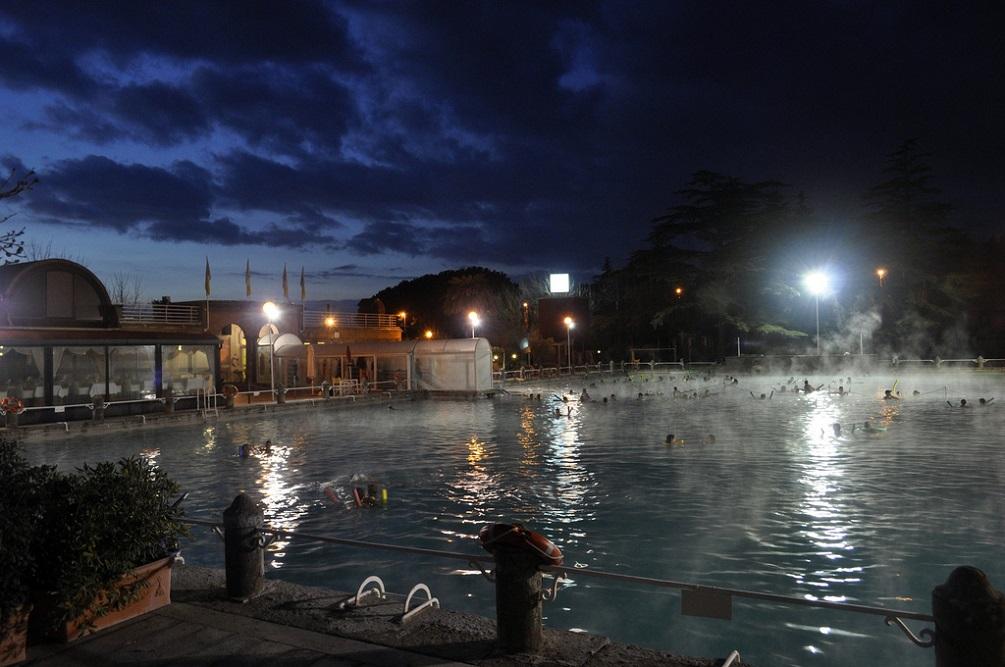 Le terme del lazio la tua italia - Capodanno in piscina ...