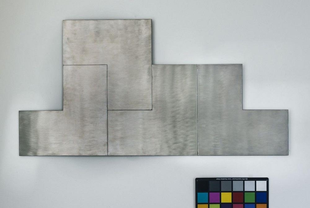 Decostruttivo 13 - 2004, Acciaio inox molato / Collezione Farnesina
