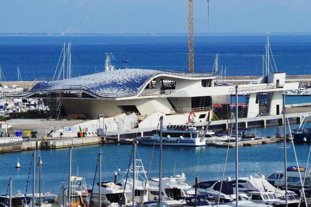 Stazione marittima di Salerno / Wikimedia Commons