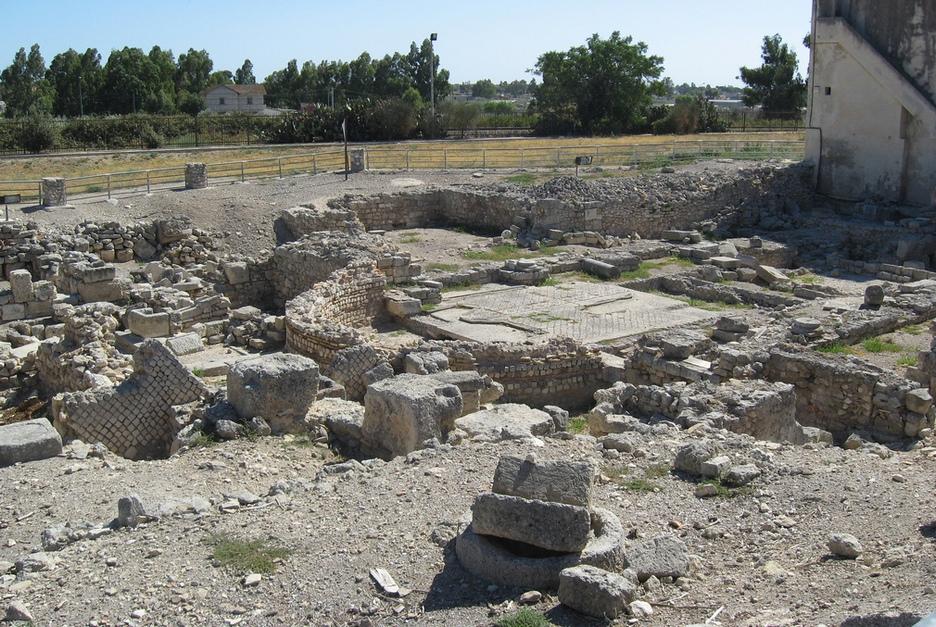Руины раннехристианской базилики. Фото © Leron Vandilcolindion / Wikimedia Commons