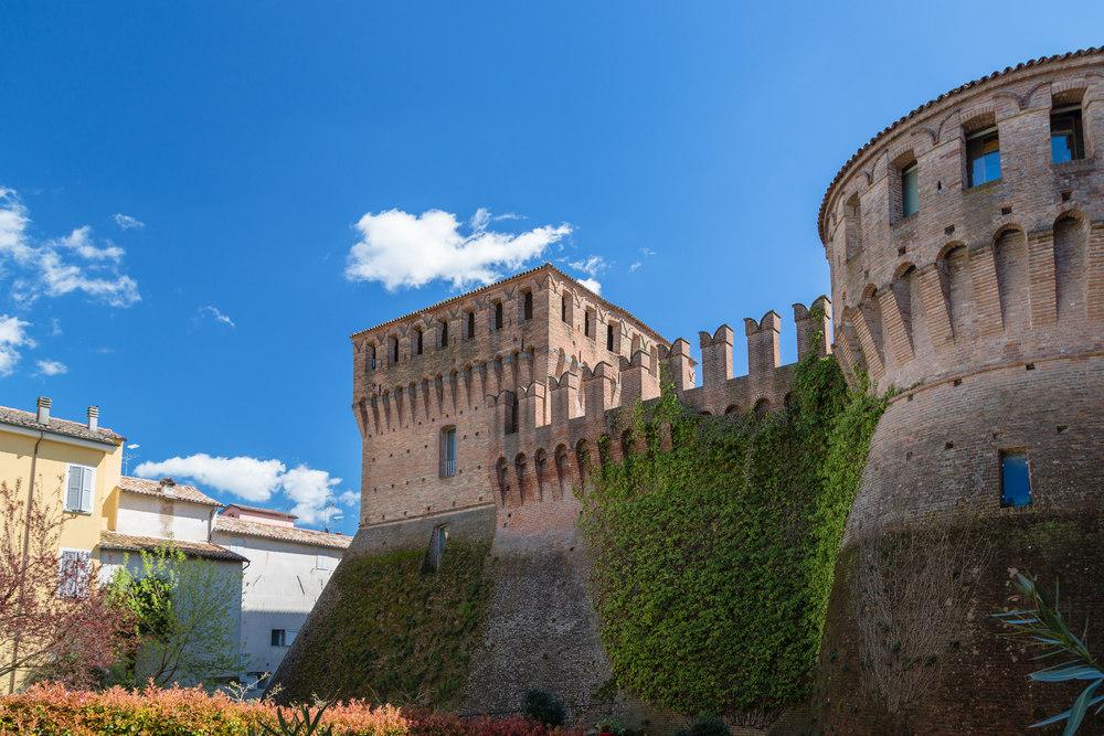 Замок Ладеркио в Риоло Терме / Фото: Shutterstock.com