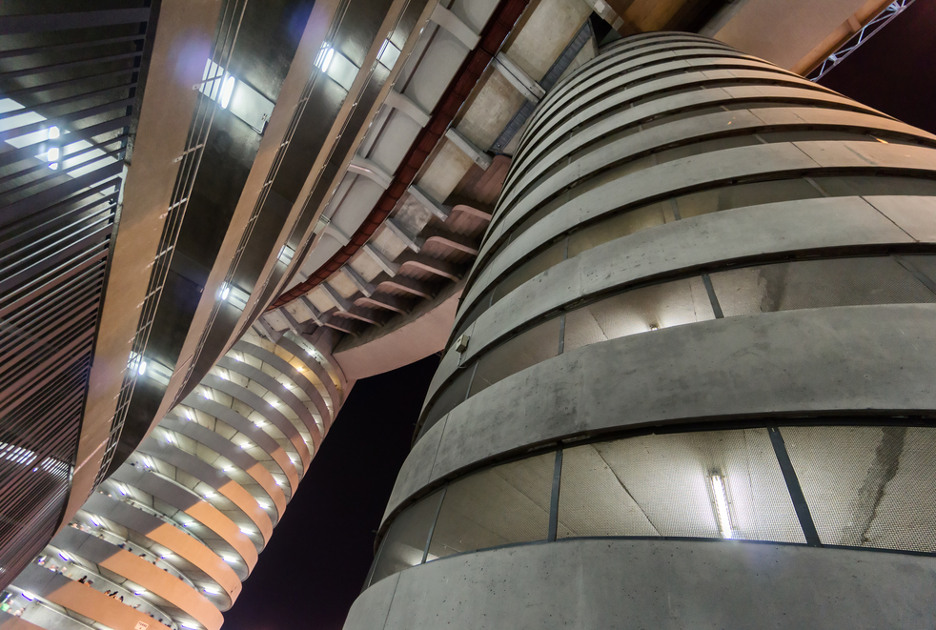 Una delle caratteristiche torri esterne. Foto © Federico Rostagno / Shutterstock.com