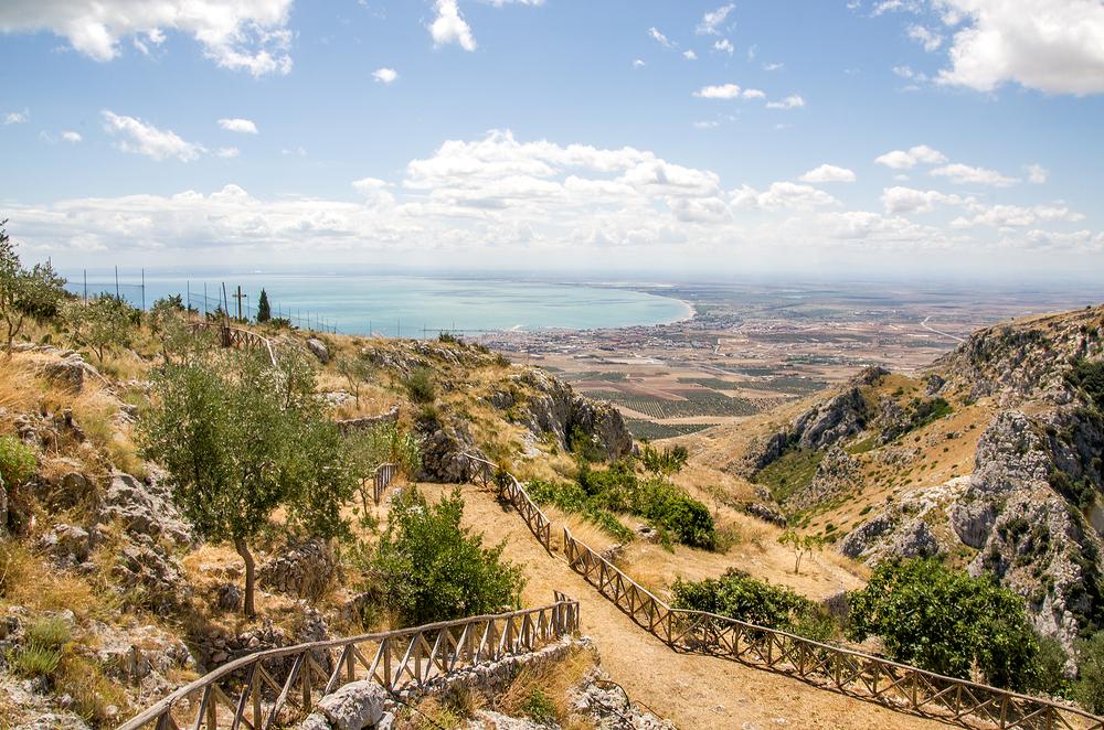 Вид на залив Манфредонии с Монте-Гаргано. Фото / Shutterstock.com