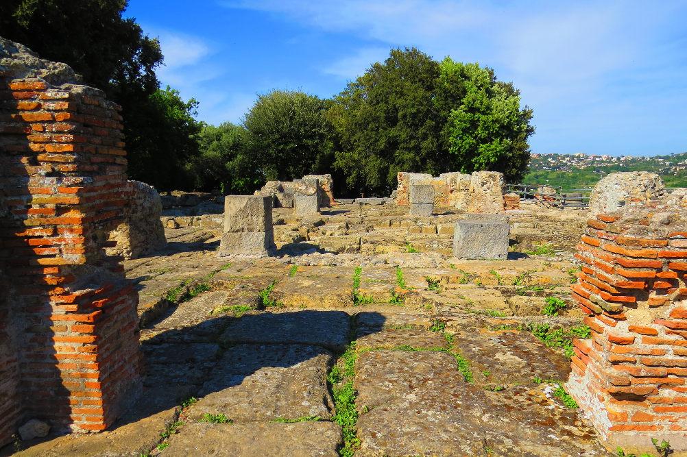 Археологический парк Кума / Фото: Wikimedia Commons