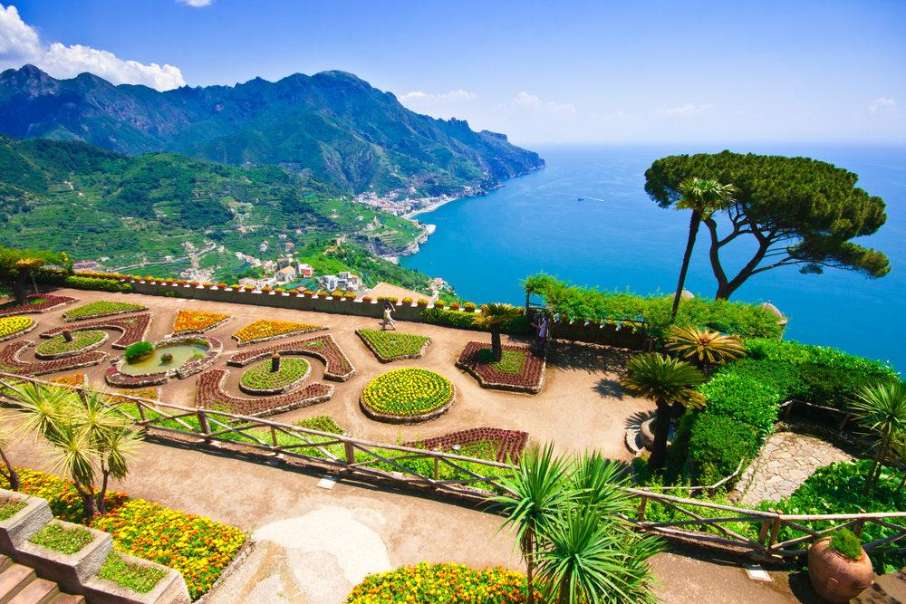 Villa Rufalo / Shutterstock.com