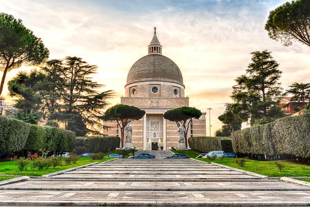 Рим, Церковь Святых Иоанна и Павла в районе ЭУР / Фото: Shutterstock.com