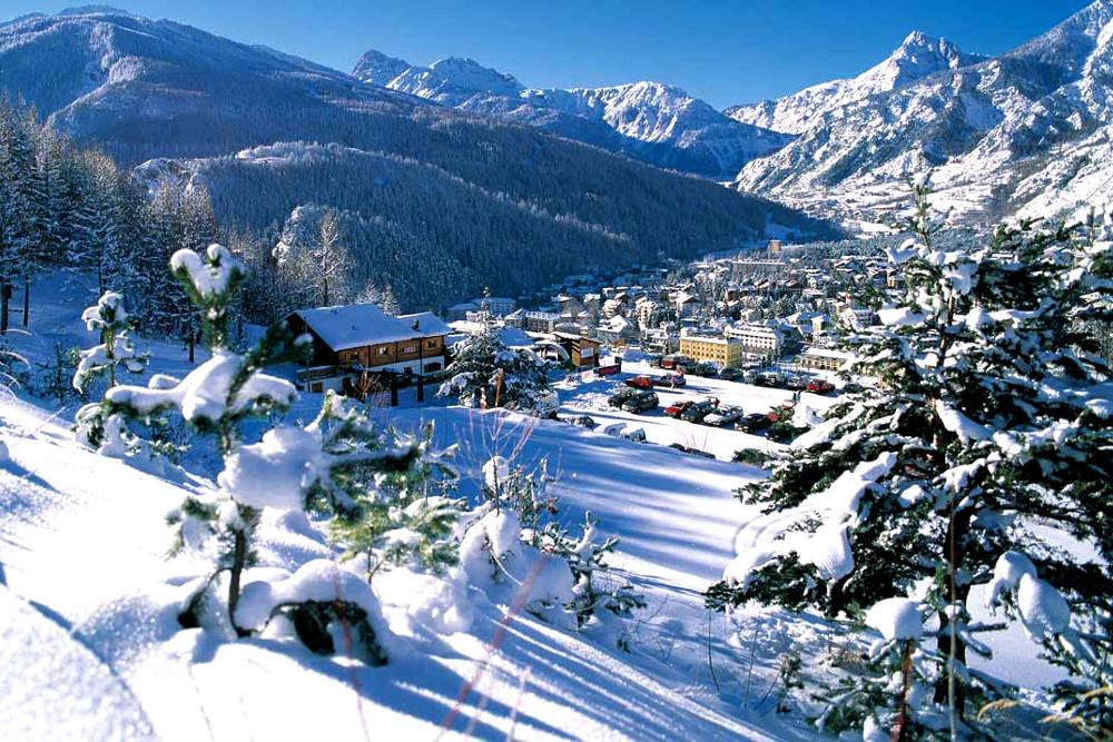 Олимпийская деревня в Баронеккье / Фото: hotelbucanevebardonecchia.it