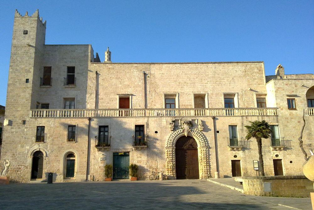 Palazzo Risolo, Specchia / Wikimedia Commons