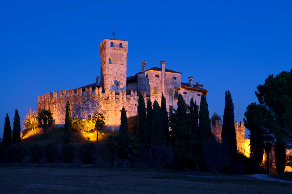Замок Виллальта