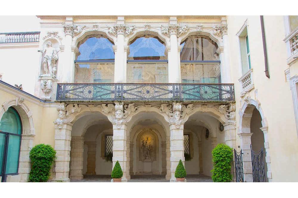 Gallerie-Di-Palazzo-Leoni-Montanari-80795