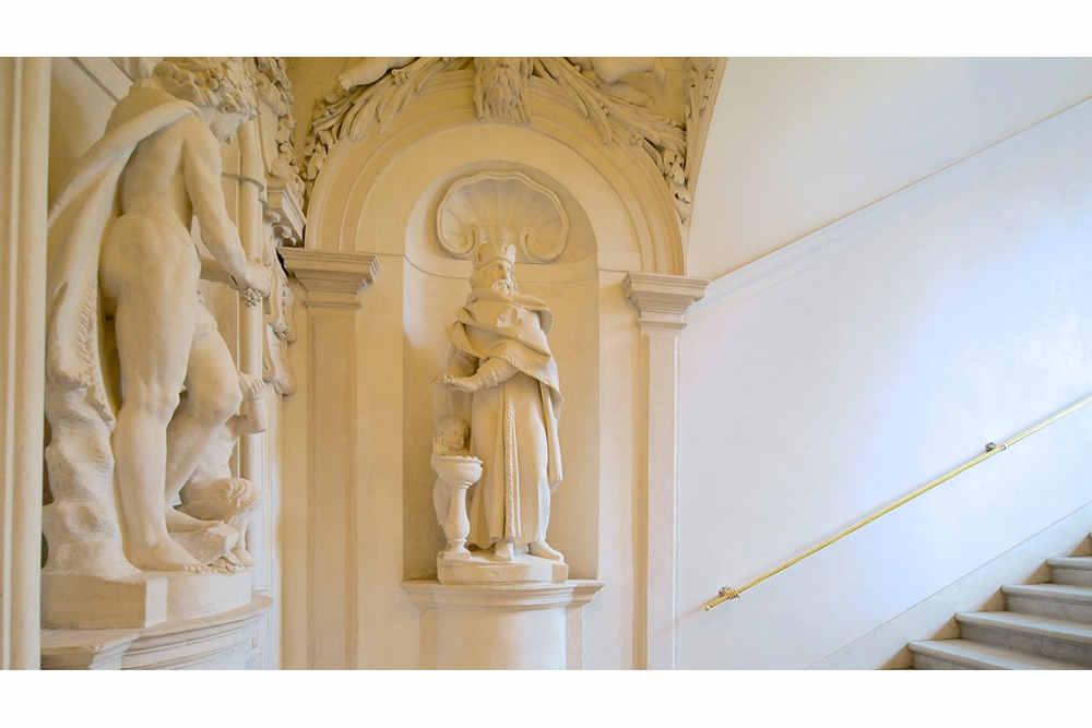Gallerie-Di-Palazzo-Leoni-Montanari-80802