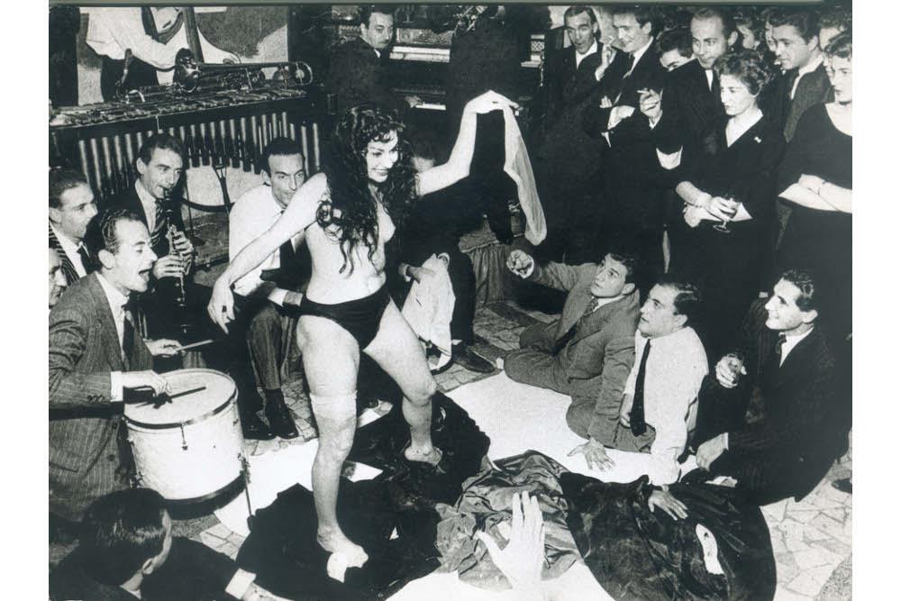 Тацио Секкьяроли, Аике Нана в Ругантино, 1958